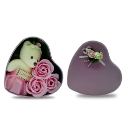 BEAR IN HEART SHAPE GIFT TIN - PINK